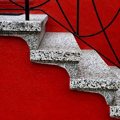 the neighbors go red (msdonnalee) Tags: red rot stairs rouge rojo iron stairway vermelho treppe staircase escada ironwork rosso escalier roja treppen красный röd escala 階段 punainen 赤 лестница 赤い 빨간 ironcraft colourartaward artlegacy κόκκινοσ سلالم ironbannister 红的 أَحْمَر