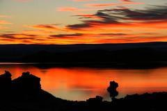 Mývatn! (Helga Haraldsdóttir) Tags: light sunset red sky cloud reflection nature water iceland náttúra 2012 rautt vatn ský roks himinn birta klettar sólarlag speglun mývatnssveit canon400 helgaharalds helgahar ´island