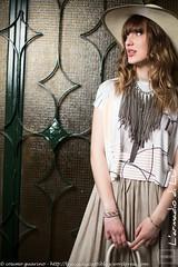 IMG_4583 (traccediscatti) Tags: donna persone gonna cappello ragazza maglia pubblicit bionda collana modella abbigliamento allaperto accessori vestito
