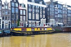 Woonboot - Singel Amsterdam (FaceMePLS) Tags: amsterdam boot boat ship nederland thenetherlands streetphotography ark gracht schip grachtengordel straatfotografie woonark facemepls woonschip nikond5500