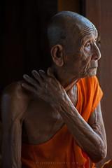 _MG_9685-28_04_2016_wat-phratahtchommon-maesariang-thailande-christophe-cochez (christophe cochez) Tags: voyage travel portrait asian thailand asia buddhist religion monk buddhism asie thailande bouddhisme bonze bouddhiste