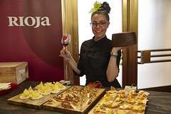 Stefanie_Parkinson_Rioja_Wine_5_22_2016_19 (COCHON555) Tags: festival cheese losangeles wine tapas unionstation rioja jamon chefs cochon555 heritagebreedpigs