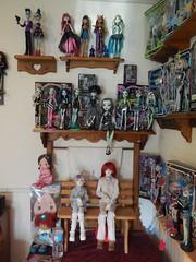 bedroom 6-16 b (TrueFan) Tags: family kids butterfly doll dolls dal lila lazy rosemary soom shelves mystic angelicpretty leeke a ddung dollydarling delilahnoir monsterhigh linachouchou