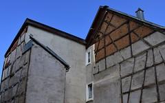 Backyard walls (:Linda:) Tags: germany town bluesky thuringia halftimbered hildburghausen