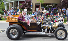 IMG_2847 (marylea) Tags: classic car vintage classiccar parade memorialday 2015 may25 memorialdayparade