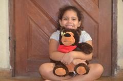 Sorriso (AlineeCordeiro) Tags: sorriso criana feliz urso pelucia
