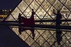DSC_2559 (Mathieu Rougnon) Tags: wedding sunset paris night french nikon europe shooting capitale mariage pyramide lelouvre parisian d800 parisien rflexion pyramidedulouvre nikkor2470mmf28