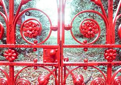 365/128 (evil_monkey1) Tags: light liverpool strawberry gate beatles hdr feilds 365125