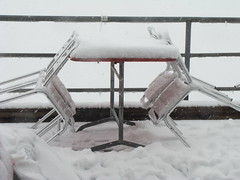 Not a day for eating outside (Bonita la Banane) Tags: snow switzerland rothorn brienzer