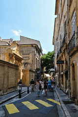 Aix-en-Provence (MikePScott) Tags: camera france lens arch aixenprovence provence aix builtenvironment architecturalfeatures provencealpesctedazur nikond300 tokina1116mmf28 featureslandmarks