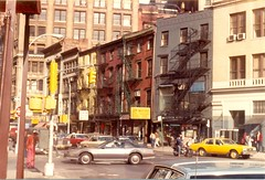 New York City street scene (1982) (Paul-M-Wright) Tags: street new york city newyorkcity usa newyork lost us 1982 manhattan scene 80s gothamist gotham eighties e17 1980s paulwright east17th e17th east17thstreet