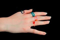 bagues (soakette la sardine) Tags: fun couleurs fil bijoux bracelet fille colliers argent flashy bricolage fminin bagues bouton cuir scoubidou perles scoubidous rocaille fermoire coloris fermoir