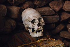 Elongated Inca Skull (Mathijs Buijs) Tags: peru inca america canon eos skull ancient pointy head south alien artificial 7d binding andinos conical peruvian deformation rito andahuaylillas cranial defeormity