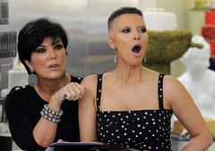 Kim-Kardashian-et-Kris-Jenner (marisabuffagni) Tags: cute kim bare smooth shaved bald pomo cropped buzzed zero clipper jovanka scalp macchinetta liscia calva rasata tosata kardashian pelata rapata