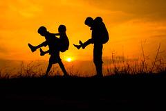 ( ) (VENGAT SIVA) Tags: india childhood rural evening village games international childrens roadside tamilnadu roi shilloute indianstreetphotography aattam rootsofindia aadukalam