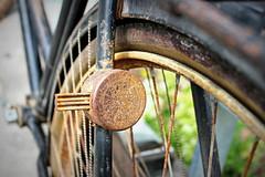rusty Raleigh (overthemoon) Tags: detail bicycle wheel vintage schweiz switzerland suisse geneva spokes rusty raleigh svizzera fleamarket 1952 plainpalais romandie utata:project=tw526