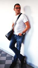 IMGP3048b (maurizio siani) Tags: italy man muro primavera fashion persona italia estate pentax moda tshirt sguardo uomo jeans napoli naples casual bianca giugno levis mode bellezza maurizio simpatia ragazzo occhiali sportivo divertimento siani 2016 giocare modello fascino maglietta seduzione k30 appoggiato tracolla disinvoltura disinvolto