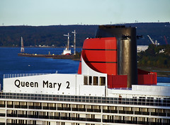 Queen Mary 2 (Nicober!!!) Tags: canada river ship quebec queen stlawrence cruiseship stlaurent cunard fleuve navire croisiere mary2