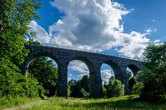 Train viaduct in Klouovice (The Adventurous Eye) Tags: bridge train viaduct bent viadukt eleznin klouovice ohnut