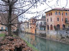 Vicenza - Italy (Been Around) Tags: italien italy river italian europa europe italia fiume eu ita fluss europeanunion italie vicenza veneto venetien img8202 retrone fiumeretrone expressyourselfaward