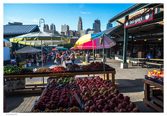 Market6_28to45_NDF_5749 (RoaringStaR) Tags: red