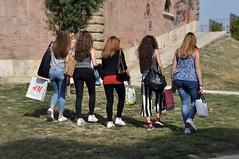 Passeggiando sulle Mura Medicee - Walking over the Medicean Walls (Jambo Jambo) Tags: girls italy shopping italia streetphotography tuscany toscana grosseto maremma ragazze muramedicee maremmatoscana nikond5000 jambojambo mediceanwalls bastionemaiano