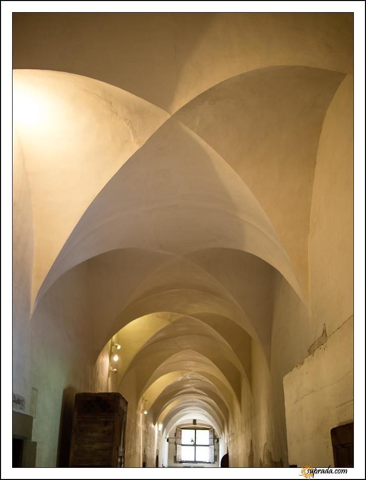 Hallway - Monastir de Pebrables
