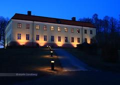 A closer look at Edsberg Castle (Swedish Goose) Tags: longexposure nightshot stockholm gap bluehour scandinavia sollentuna sigma1850f28 canoneos400d edsbergscastle