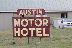 "Austin Motel • <a style=""font-size:0.8em;"" href=""http://www.flickr.com/photos/77680067@N06/7028045621/"" target=""_blank"">View on Flickr</a>"