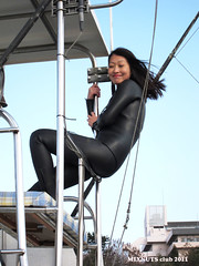 Wetsuited Beauty (Black1023b) (mixnuts club) Tags: fetish diving rubber diver wetsuit