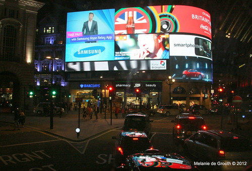 Piccadilly Circus Video Display 1
