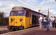 50 027 Lion at Wigan, Gtr Manchester, 1984 (Lady Wulfrun) Tags: people station train manchester tour platform lion photographers railway loco august cameras 1984 hoover locomotive railways 29th wigan class50 greatermanchester settlecarlisle railwayenthusiasts 50027 a1tours