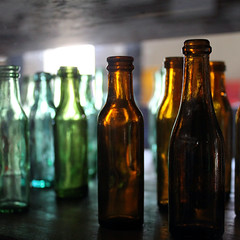 Old medicine bottles (_Sabre_) Tags: old antiques antiguidades garrafas