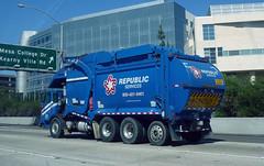 Republic Services Garbage Truck (2) (Photo Nut 2011) Tags: california trash garbage junk sandiego freeway waste refuse sanitation garbagetruck 15freeway trashtruck wastedisposal republicservices sharphospital