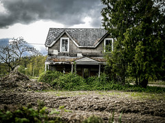Abandoned (Stephanie Larbalestier) Tags: canada abandoned overgrown britishcolumbia abandonedhouse mission boardedup deserted fallingapart stillstanding abandonedhome desertedhouse blackberrybushes oncewasahome