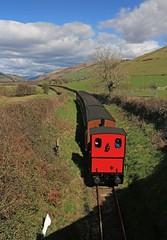 Coming or Going? (RoystonVasey) Tags: wales canon eos zoom railway m 1855mm stm snowdonia aberdovey aber talyllyn rheilffordd tywyn snp dyfi