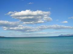Mallorca - Bucht von Port d' Alcdia (ohaoha) Tags: strand island spain meer wasser europa europe mediterranean south himmel wolken insel espana blau mallorca sonne spanien majorca baleares balearen southerneurope bucht balearicislands mittelmeer sdeuropa portdalcdia buchtvonalcdia