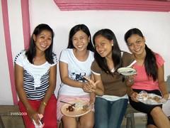 4 filipina (JUST THE PHILIPPINES) Tags: girl beautiful asian asia pretty lipa manila filipino batangas ate filipina garcia oriental kuya jeepney calapan dose valenton batino