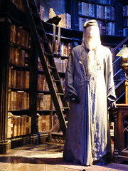 P1180411 (danger_skies) Tags: uk london studio harry studios making dumbledore the sortinghat tour leavesden brothers harry studio potter warner bros dumbledoresoffice wb