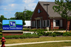 Fifth Third Bank (pokoroto) Tags: summer usa june illinois bank third 2012 fifth  6  minazuki   rokugatsu monthofwater 24