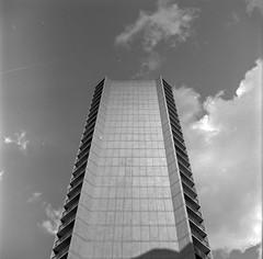 Monolith (DeShaun Craddock) Tags: newyorkcity blackandwhite mediumformat landscape analogphotography filmphotography fujineopan100 rolleiflexautomatmx rolleiflexautomatk4a rolleiflexautomattype4