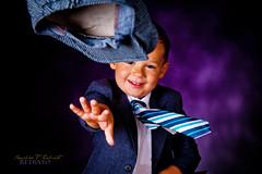 Feeling Good (Ronaldo F Cabuhat) Tags: family portrait ny newyork smile canon photography action strobes feelinggood canonef24105mmf4lisusm strobist canoneos5dmarkii paulcbuff cabuhat cybersync cybercommander einstein640