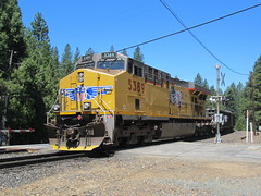 Union Pacific #5389 (GE C45ACCTE) at Alta, CA (CaliforniaRailfan101 Photography) Tags: up scenery military scenic tracks unionpacific ge donnerpass manifest emd californiazephyr dpu gevo truckeeca sd70m amtk amtrakcalifornia stacktrain ztrain sd70ace es44ac ac44ccte ac4400cw c45accte p42dc altaca sodaspringsca emigrantgapca nordenca summittunnel 5000thgevo