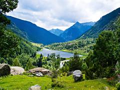 Aguas que tranquilas van (Jesus_l) Tags: espaa europa pirineos lleida parquenacionaldeaigestortes jessl lagollebreta