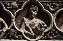 Retaule de Sant Bernat i Sant Bernab, detalle (Fernando Two Two) Tags: sculpture art costume arte medieval escultura figure montblanc figura retablo retaule