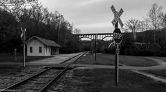 Brecksville Train Station | Cuyahoga Valley National Park - OH (Pordeshia) Tags: trainstation railcrossing brecksville cuyahoganationalpark