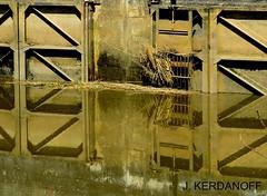 Ecluse avec les reflets cuivrs.. (jackline22) Tags: nature eau reflet extrieur reflets cluse aquitaine gironde ecluse