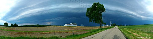 Here Comes The Rain.   Lee County, Illinois.  100_5977