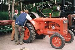 Leaning on Allis (the.photo.joe) Tags: digital film 35mm argus canon nikon leica war worldwar2 great central railway jeep sten train 1940s kodak
