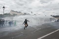 Paris (Federico Verani) Tags: street city paris france streets june work photography riot police travail strike rue legge francia città loi parigi lavoro teargas polizia grève sciopero clashes generalstrike 2016 casseur grèvegénérale scontri lacrimogeni scioperogenerale elkhomri loitravail loielkhomri 14june2016